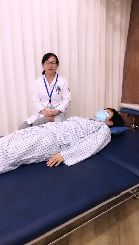 脑卒中合并上肢近端和躯干肌张力增高患者的自我牵伸锻炼